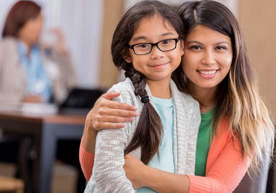Kids Eyewear mom and daughter